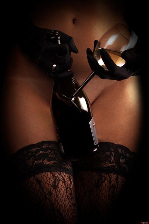 /: Wine Time, Erotic, Photo Ideas, Red Wine, Wine Tasting, Sexy Stuff, Drinks, Photo Shooting, New Years