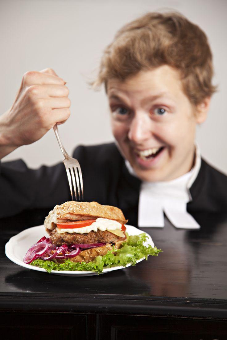 Kenkäveron ravintolassa voi herkutella lähiruokahampurilaisilla a´la Sikke Sumari. Suosittelemme!
