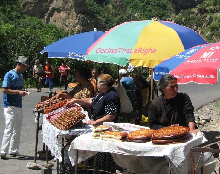 bancarelle con prodotti tipici armeni