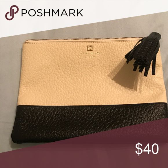 Glutch Cute Kate Spade - Southport Ave Gia Clutch!! Go from the boardroom to a night out on the town! kate spade Bags Clutches & Wristlets