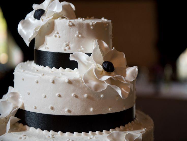 Wedding cakes green bay wisconsin