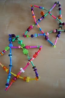 Pink and Green Mama: Homemade Christmas Crafts: Drinking Straw and Bead Stars