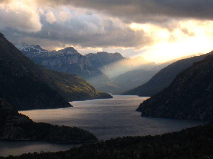 Brazo de la Tristeza, Lago Nahuel Huapi. Bariloche. Ruta 40