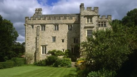 Shute Barton - amazing medieval manor for holiday rental