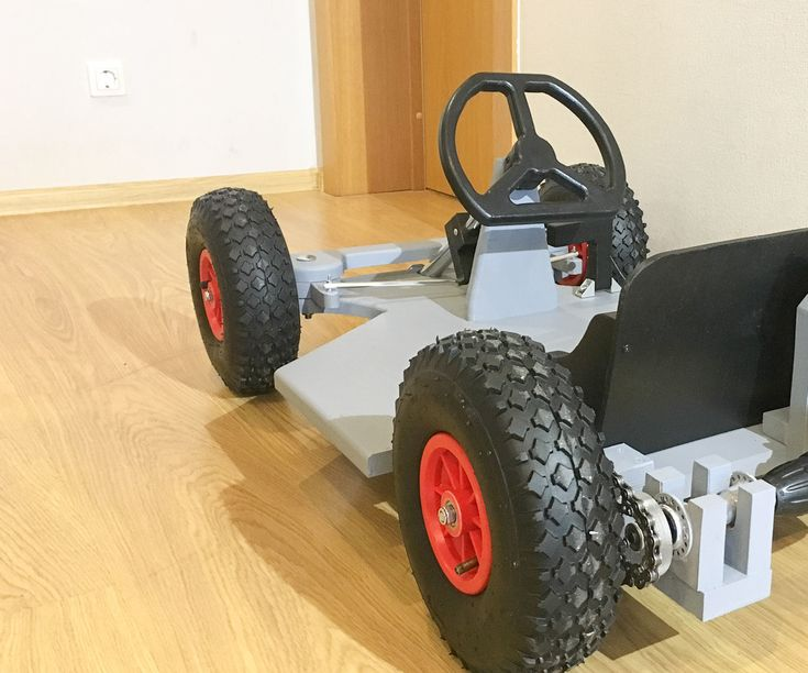 Drill powered Go Kart for kids.Video of build and Go Kart in action: Part list:21mm plywoodcordless screwdriverwheelbarrow wheelsskateboard wheel...