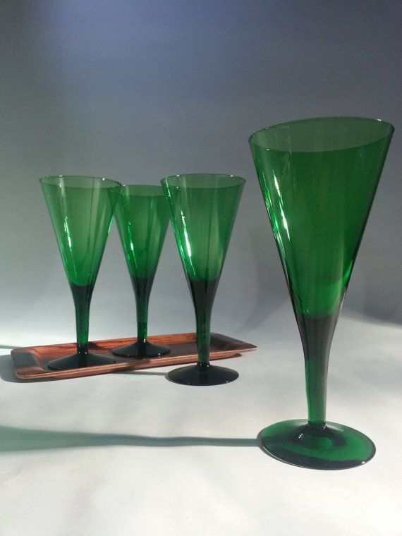 Scandinavian Wine glass - Vinglas Winston.. Made by Per Lutken €59.00