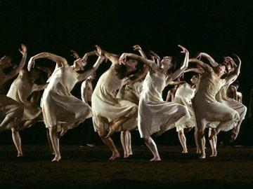 Les Sacres : Pina Bausch / Maurice Béjart - agenda - Centre National de la Danse