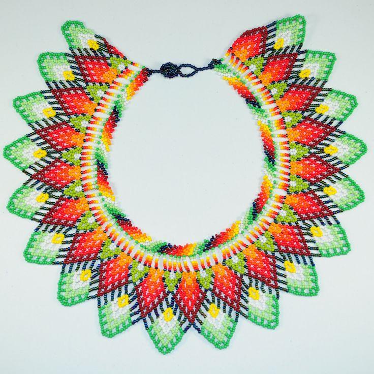 Choker handmade by embera tribe in Colombia kolia koraliki mostacilla