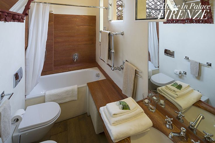 #wood #bathroom in Da Vinci #deluxe #room @Home in Palace #Florence #Italy