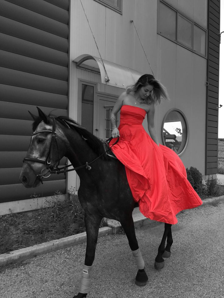 My horse♥️ and this amazing red dress