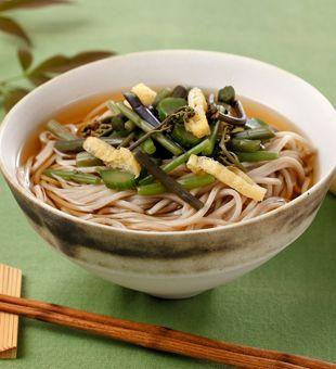 日本そば3食   そば   商品情報   テーブルマーク株式会社 えび天そば; 山菜そば