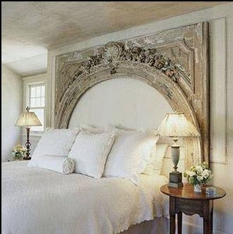Lovely Headboard Design  http://www.rentalsgonewild.com/blog/article/217/unique-headboards