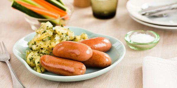 Bacon/løg middagspølser med varm kartoffelsalat