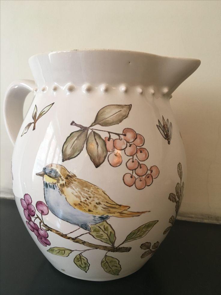 Jarra pintada a mano Maca Diez. Pajaritos. Flores. Handpainting porcelana porcelain