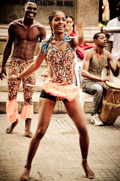 Afro-Caribbean dancers in Bolivar Square - Cartagena, #Colombia www.goldenrealmstories.com
