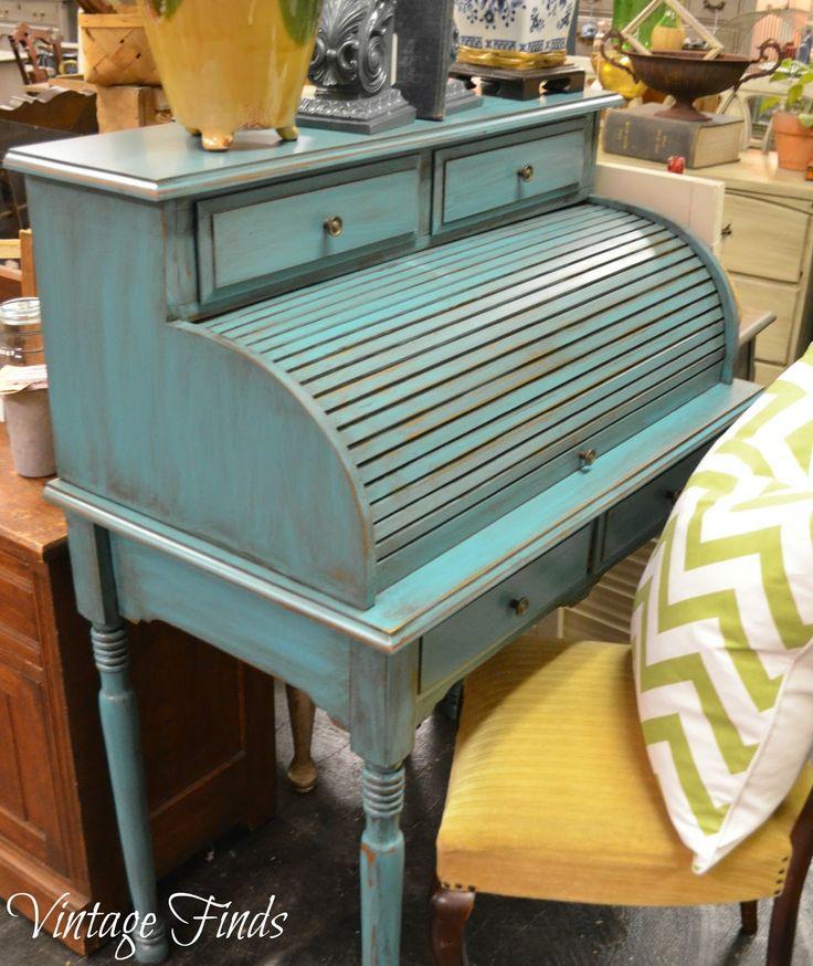 Vintage Finds: Turquoise Desk Makeover