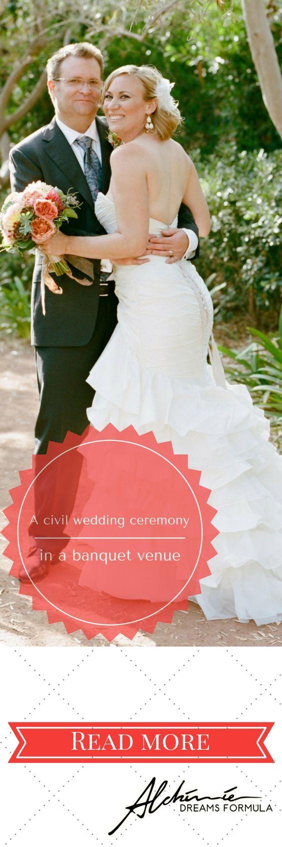 La cerimonia civile nella sala ricevimenti – A civil wedding ceremony in the banquet venue