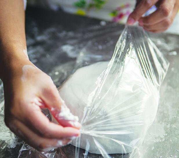 ¡Admítelo! Siempre has querido saber cómo preparar fondant. Aquí te compartimos la receta.