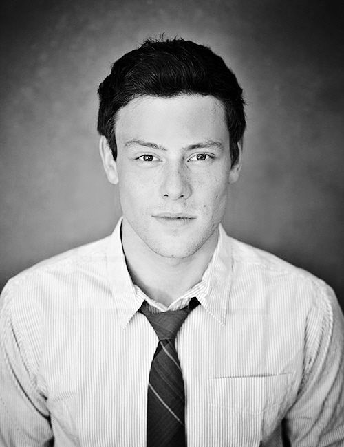 cory monteith, gonna miss him so much. I've never been so upset about a celebrity passing away. You will forever be missed. #Glee