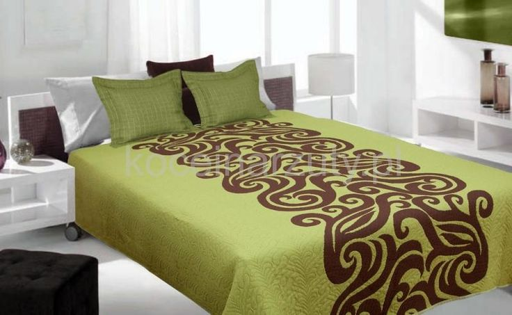Dwustronne koce i narzuty w kolorze zielonym na łóżko z brązowym ornamentem