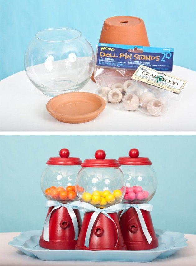 crea il tuo distributore di caramelle:un vaso+ una boccia per pesci + un sottovaso