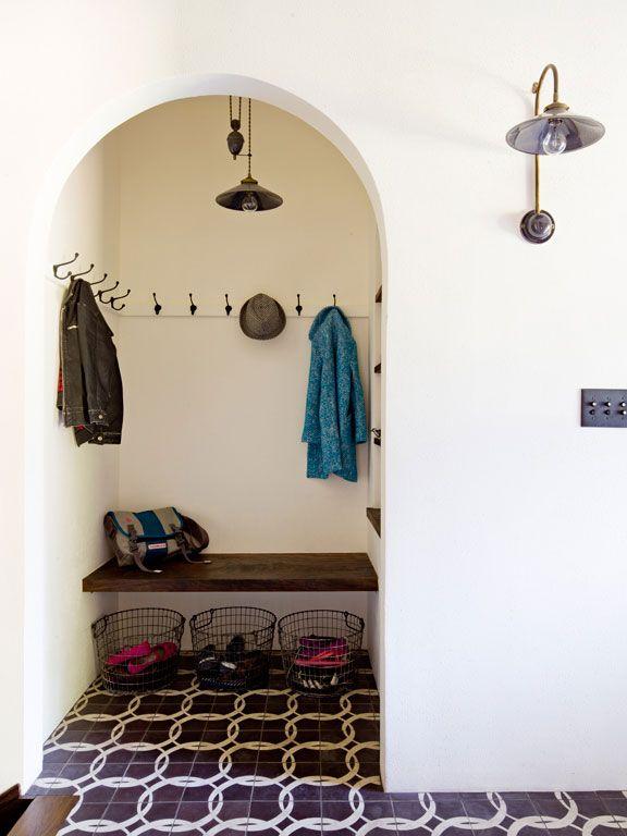 White Brick Mediterranean   Jessica Helgerson Interior Design - This is the mud room!! :)