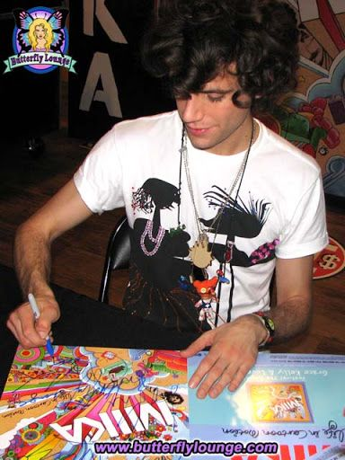 Haha MIKA at the Butterfly Lounge =) <3