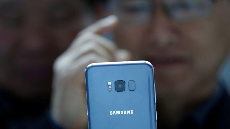 Un funcionario de Samsung revelóque el Galaxy Note 8 podría no tener un escáner de huella digital en pantalla. Esta noticia llega después de que apareció en línea una filtración que alimentó los rumores y