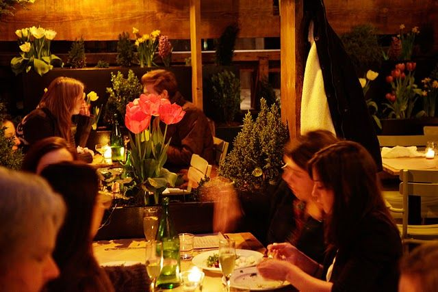 10 Best Things You Can Do in Williamsburg, Brooklyn: EAT in a Williamsburg Restaurant