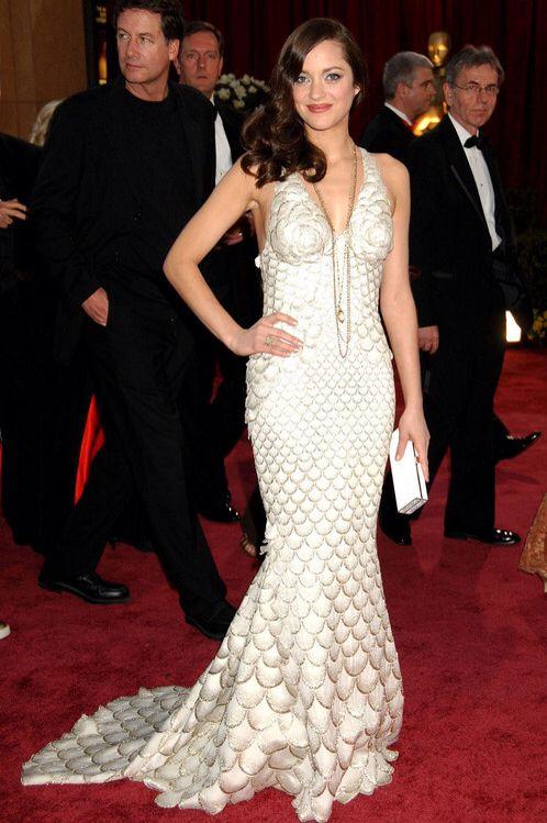 Marion Cotillar posó como la Mejor Actriz de los Oscars 2008 luciendo un increíble Jean Paul Gaultier