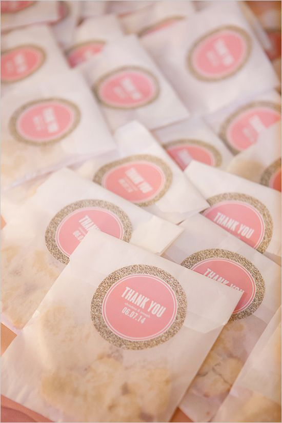 Tiny bags of delicious cookies are a wedding favor that impresses your guests without breaking the banks!