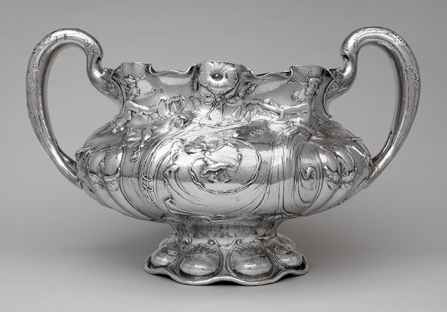 Punch bowl, 1901 Gorham Manufacturing Company (1831–present) Providence, Rhode Island Silver