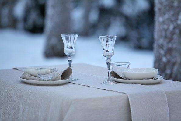 Pisa Design's linen white on snow white, Pisa Designin pellavanvalkoista lumenvalkoisella.