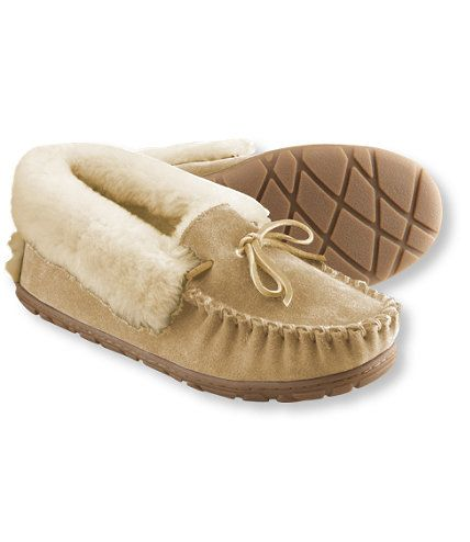 Women's Wicked Good Moccasins...Got the brown for Morgan.  She's going to be comfy using this.  :)