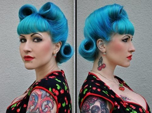Rockabilly Hair - Not so much the blue, but i love the Victory Rollls so much!