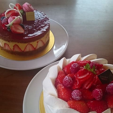 Gateau de season [fraise]  Fraisier ガトー・ド・セゾン[イチゴ] フレジェ #ケーキ #イチゴ #デコレーションケーキ #ショートケーキ #フレジェ #フランス菓子 #gateaudeseason #gateau #fraise #strawberry #strawberrycake #cake #fraiseier #anniversary #誕生日 #アントルメ #ホールケーキ
