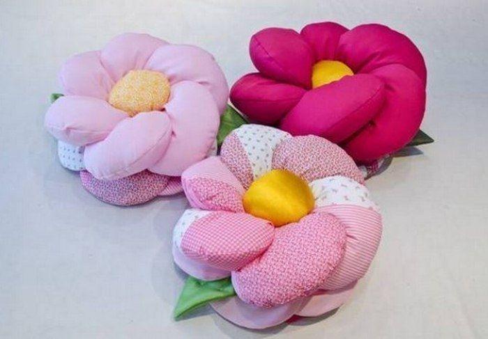 Декоративные подушки в форме цветка. Идеи для вдохновения и выкройка.