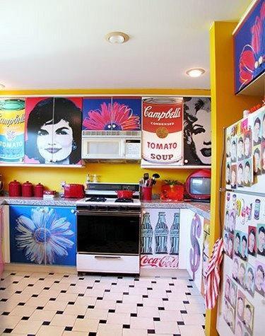 Pop art kitchen...I kinda love this!