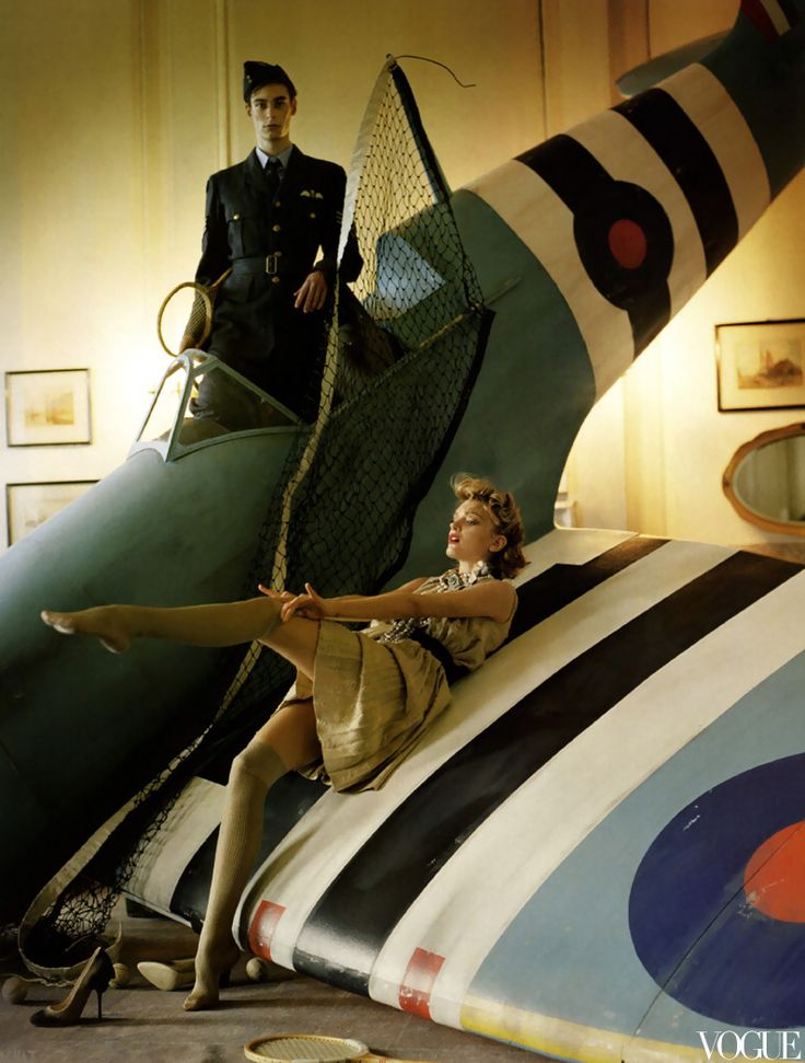 Lily Donaldson and Blue Spitfire, Glemham Hall, Suffolk, by Tim Walker, 2009.