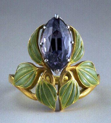 Ivy Flowers art nouveau amethyst ring René Lalique 1902