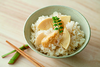 ティファール製品でつくる【たけのこご飯】のレシピ。