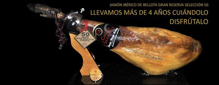 """El #Jamón """"Gran Selección RESERVA50"""", es una producción de jamones seleccionados. Jamones procedentes de cerdos ibéricos criados en libertad con una exquisita alimentación de bellotas y pastos en el mejor entorno de la Provincia de Salamanca. Esta selección de los animales, su alimentación y proceso artesanal de curación natural de larga duración, entre 48 y 52, hacen de estos jamones algo único. 9 a 9,5 kgs Disfrútalo mucho, llevamos más de 4 años cuidándolo…"""