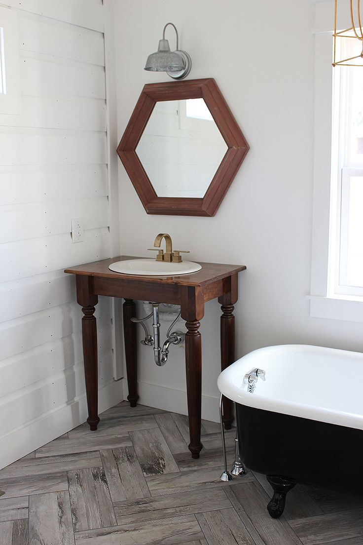 DIY Farmhouse Bathroom Vanities