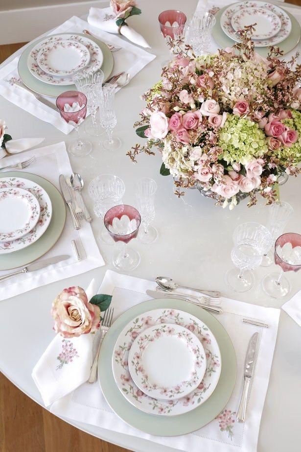 tons de rosa com a louça Magnólia, da Vestindo a Mesa