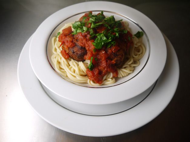 5:2 diet Turkey meat-balls - a low calorie way to use up those Christmas Turkey leftovers. Delicious and filling - and only 180 calories for three meatballs with home-made tomato and chilli sauce