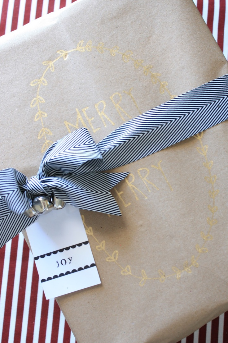 diy kraft paper and gold leaf pen wrapping paper