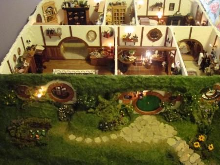 "Hobbit hole: Bilbo Baggins' ""Bag End"" dollhouse. Click the link for more pictures. Seriously, just do it. This is beyond impressive."