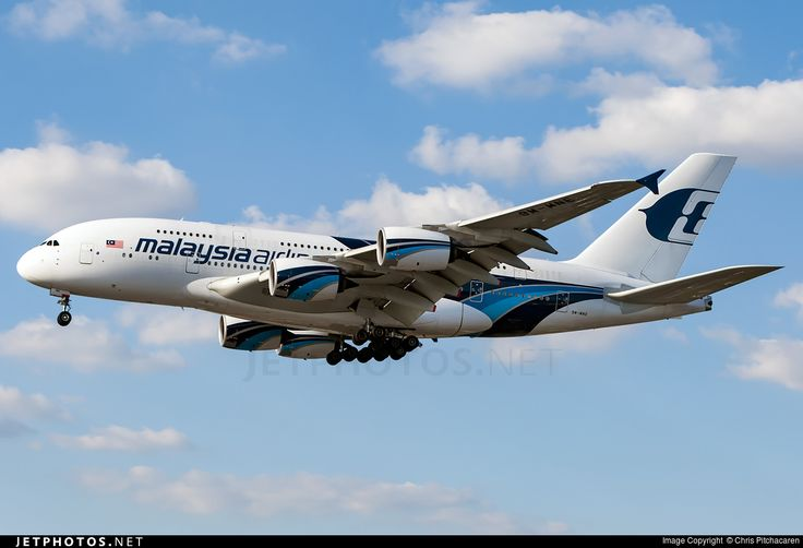 Airbus A380-841, Malaysia Airlines, 9M-MNE, cn 094, 494 passengers, first flight 12.9.2012, Malaysia Airlines delivered 7.2.2013. Active, for example 29.9.2016 flight Jeddah - Kuala Lumpur. Foto: London, United Kingdom, 30.8.2016.