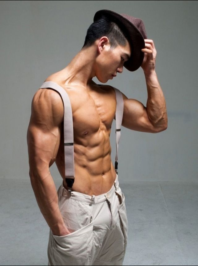 Ripped Asian Guy 81
