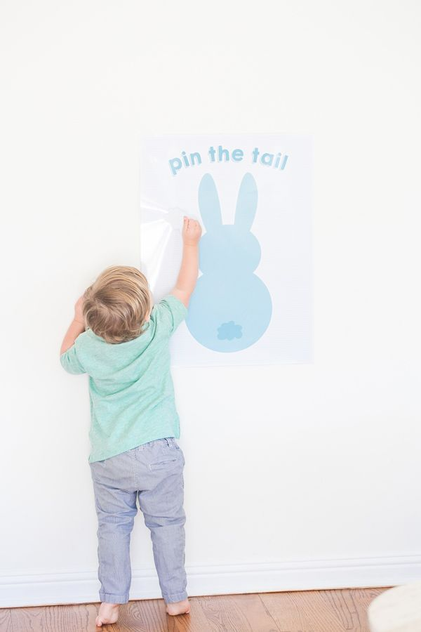 Free Printable: pin the tail on the Easter bunny